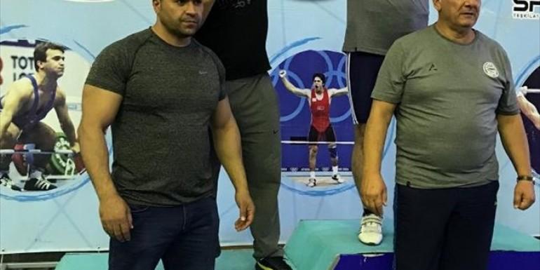 Ağrılı Halterciler 3 madalya kazandı